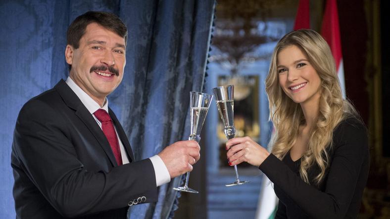 Áder János és Weisz Fanni újévi koccintása / Fotó: MTI Illyés Tibor
