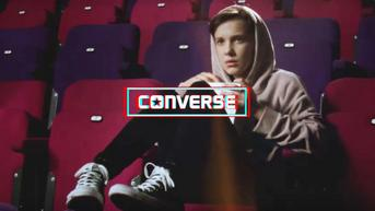 "Gwiazda ""Stranger Things"" reklamuje Conversy"