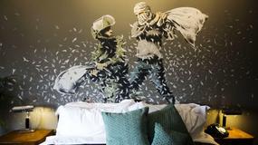 PROTEST I UMETNOST U JEDNOM ZDANJU Britanski umetnik Benksi otvorio hotel u Vitlejemu