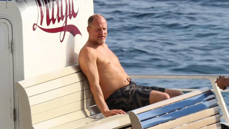 A Született gyilkosok sztárja kényelmesen üldögélt a jachton / Fotó: Northfoto
