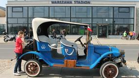 Youngtimer Warsaw 2015 - parada pod Stadionem Narodowym