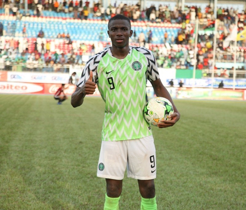 Victor Osimhen is one of Gernot Rohr's main players with the Super Eagles (Twitter/Dizsteve)