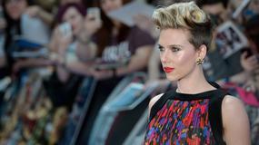Scarlett Johansson w duecie z Barrym Manilowem