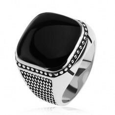 Biżuteria e-shop Srebrny pierścionek 925, małe romby, kuleczki, czarny wypukły kwadrat