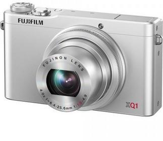 Fuji FinePix XQ1 srebrny