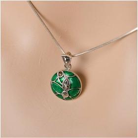 AnKa Biżuteria Srebrny komplecik w kolorze soczystej zieleni markazytami.