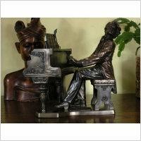 Veronese Figurka - CHOPIN GRAJĄCY NA FORTEPIANIE -