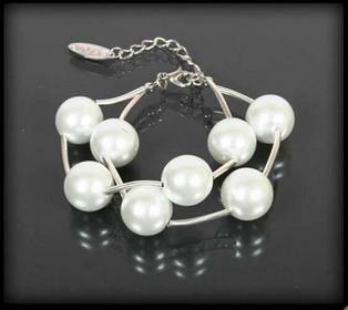 Komplet biżuterii z białych pereł: naszyjnik i bransoletka Z1009