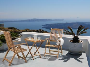 Beliani Meble ogrodowe - balkonowe - drewniane - stól z dwoma krzeslami - RIVIERA jasny braz