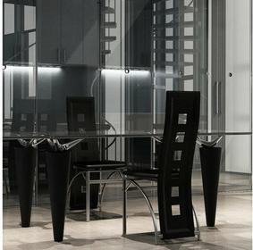 2 krzesła kuchenne w kolorze czarnym ze stalową podstawą