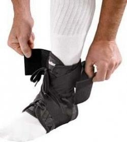 Mueller 41332 Soft Ankle Brace Ultra Straps