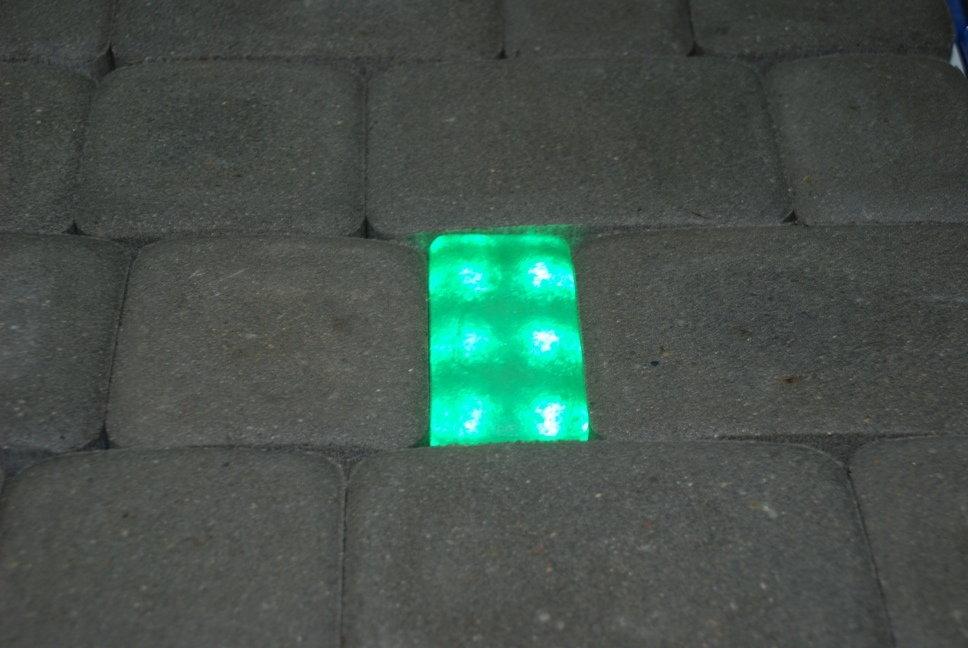 Bruklux Świecąca kostka brukowa 6x12