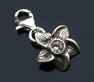 Bijou-bijou Zawieszka CHARMS * KWIATEK Z CYRKONIĄ srebro 925