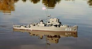 łodzie DUMAS - U.S.S Whitehall Patrol Craft Escort