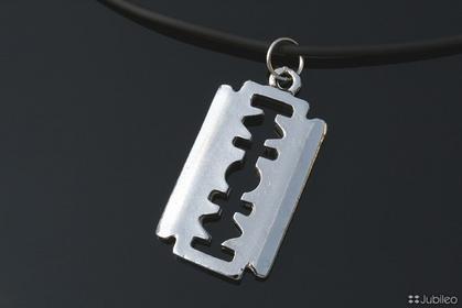 Jubileo WISIOREK ŻYLETKA PUNK ROCK kolor srebro (aj227)