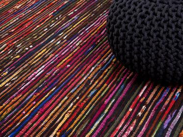 Beliani Dywan - wielokolorowo-czarny - 140x200 cm - bawełna - handmade - BARTIN kolorowy