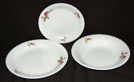 Chodzież Komplet talerzy dla 6 osób - Iwona 036 (różyczki)