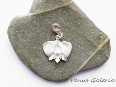 Biała orchidea - charm