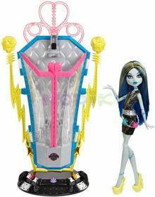 Mattel Elektryzująca Frankie z komorą ładującą Upiorne połączenie Monster High BJR46