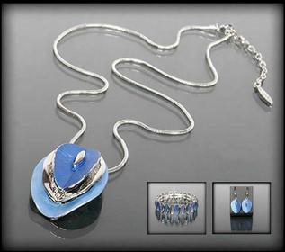 Komplet biżuterii w odcieniach niebieskiego: naszyjnik, bransoletka i kolczyki Z08118