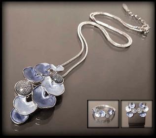 Niebieski komplet biżuterii z oryginalną ozdobą: naszyjnik, bransoletka i kolczyki Z08105