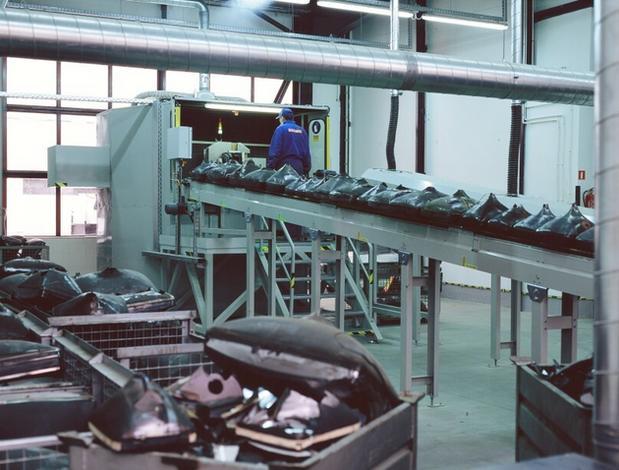 magazynowanie zużytego sprzętu elektronicznego - Remondis Electrorecycling... zdjęcie 3