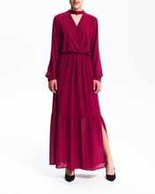 Długa bordowa sukienka
