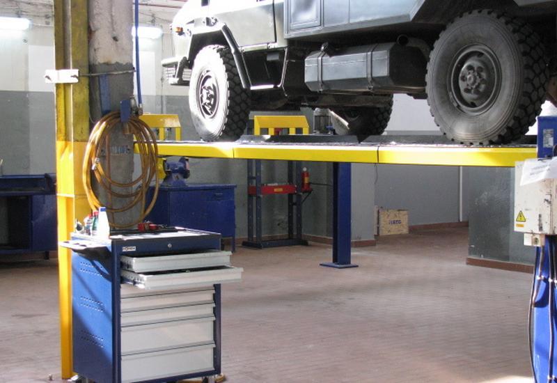 mechanik samochodowy - Uni-Truck Sp. z o.o. Serw... zdjęcie 7