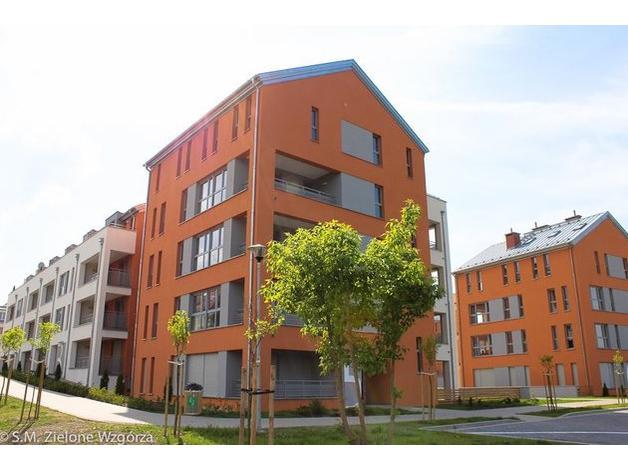 Przykładowo: powierzchnia użytkowa (płatna) to 89 m2. Dostępna również antresola 69 m2 która nie jest wliczona w cenę!