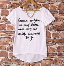 Ręcznie malowane napisy na koszulkach