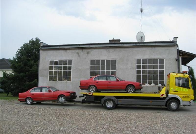 Pomoc drogowa, holowanie pojazdów, lawety