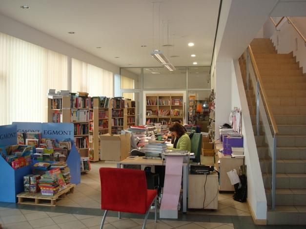sklep z książkami - L & L Firma Dystrybucyjno... zdjęcie 4