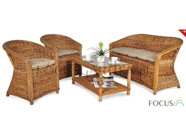 Wykonany został z ręcznie plecionego rattanu Abaca, który charakteryzuje się pięknym, autentycznym kolorem oraz naturalną i wytrzymałą strukturą.