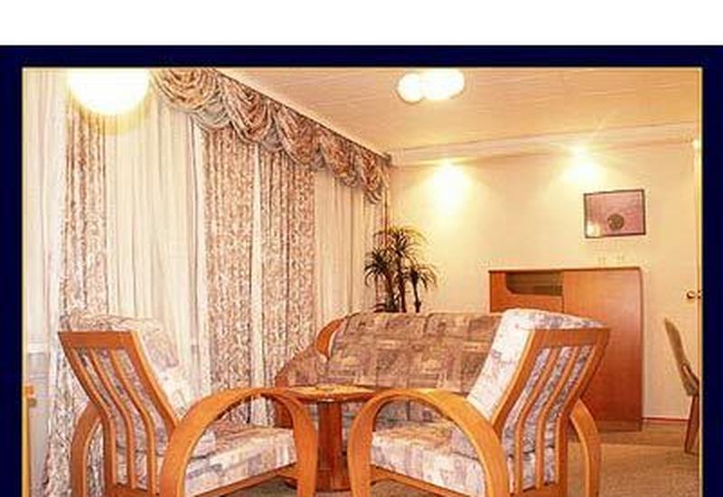 pokój z łazienką - Hotel Eskulap niskie ceny zdjęcie 1