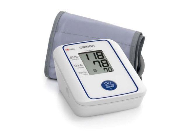Prosty w obsłudze, zapewnia dokładny i wiarygodny pomiar ciśnienia krwi i pulsu. Duży czytelny wyświetlacz, mankiet standardowej wielkości, etui.