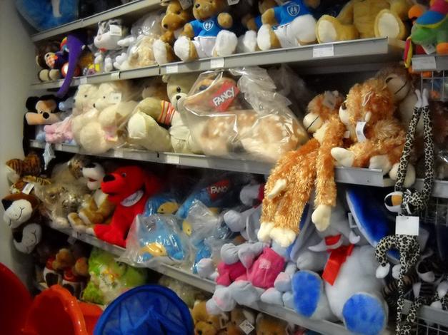 Hurtownia zabawek, lalki, auta
