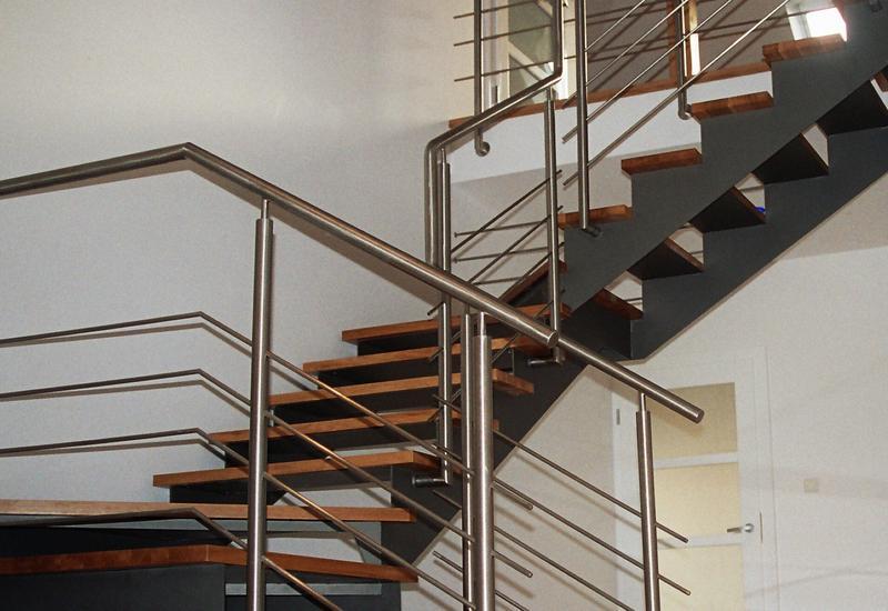 Schody, balustrady, zadaszenia