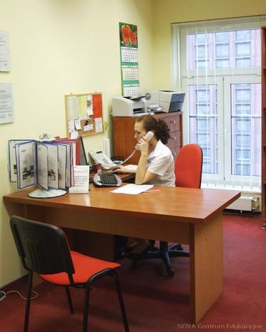 technik handlowiec - NOVA Centrum Edukacyjne zdjęcie 1