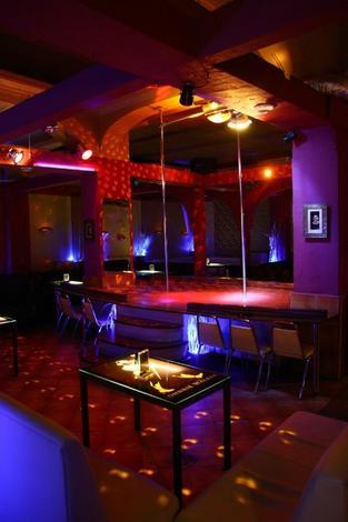 striptiz - Nefretete Go-Go - Klub no... zdjęcie 1