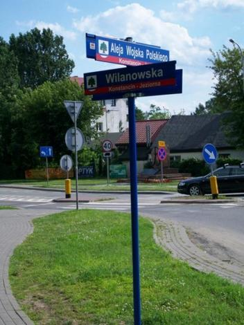 Znaki drogowe, tablice informacyjne, blokady parkingowe
