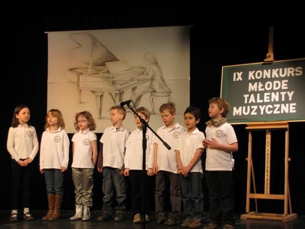 szkoła podstawowa z angielskim - Dwujęzyczna Szkoła Podsta... zdjęcie 7