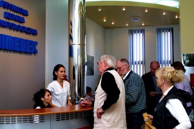 mosty porcelanowe na implantach - Unimedex. Prywatna Klinik... zdjęcie 5