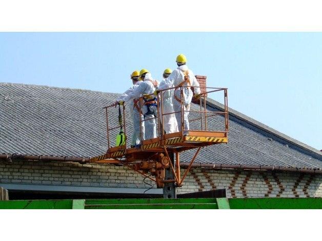 Profesjonalnie i fachowo wykonujemy demontaże eternitowych pokryć dachowych. Przyjmujemy także zdemontowane już materiały izolacyjne.