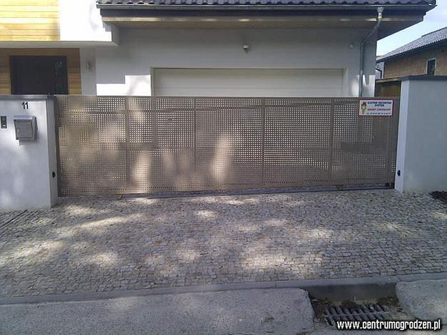 Ogrodzenia, bramy