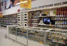 Wyposażenie sklepów, regały metalowe, boksy kasowe
