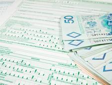 Trzy osoby próbowały wyłudzić 142 mln zł zwrotu VAT
