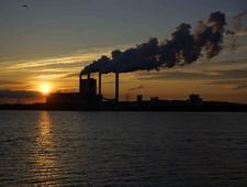 UE zaostrzy normy emisji dla elektrowni. Polskę może to kosztować 10 mld zł