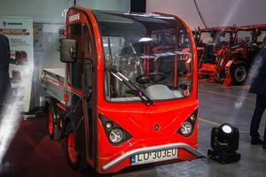 Elektryczny traktor z Ursusa. Będzie też dostawczak