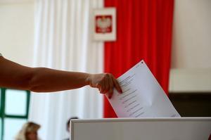 Po co Polsce kilkadziesiąt tysięcy radnych?