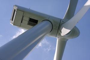 Energia z turbin wiatrowych w samochodowych bateriach